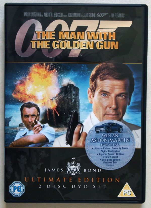 007 THE MAN WITH THE GOLDEN GUN - ULTIMATE EDITION    2 DISC SET ) USED